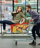 Карта Перекресток от Альфа-Банка: экономьте деньги в любимом магазине!