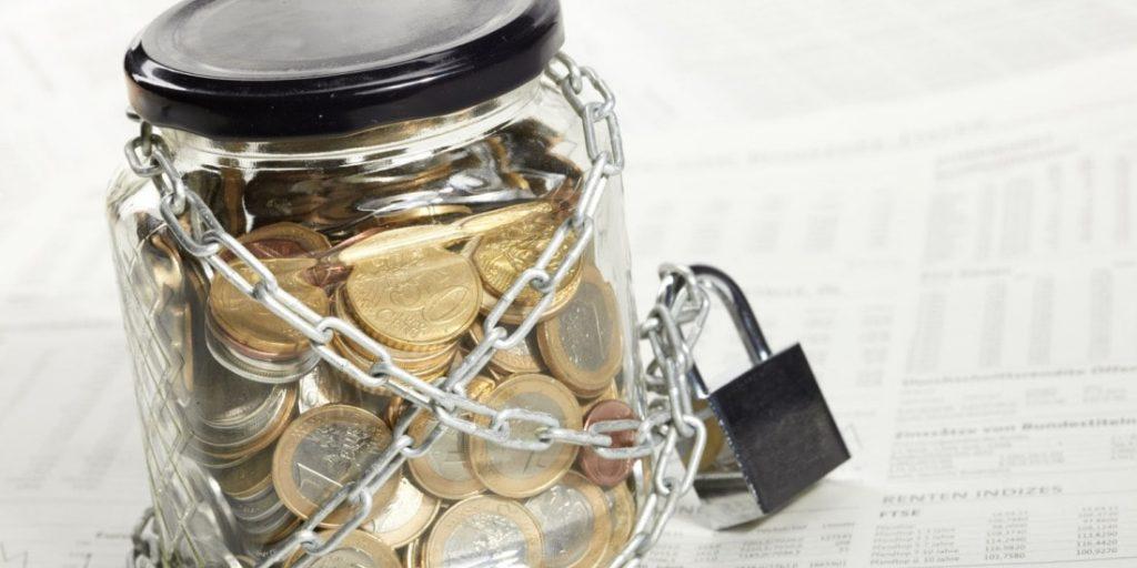 Блокировка счета банком: причины, как избежать, что делать, если случилось